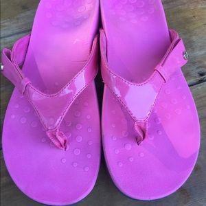 Vionic flip flops Sz 8 Pink